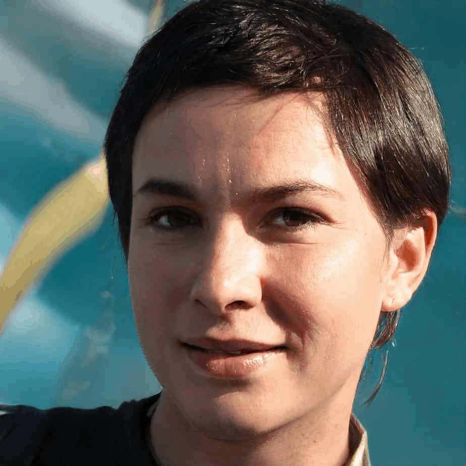 Samantha Moss – Editor & Content Ambassador, Romantific