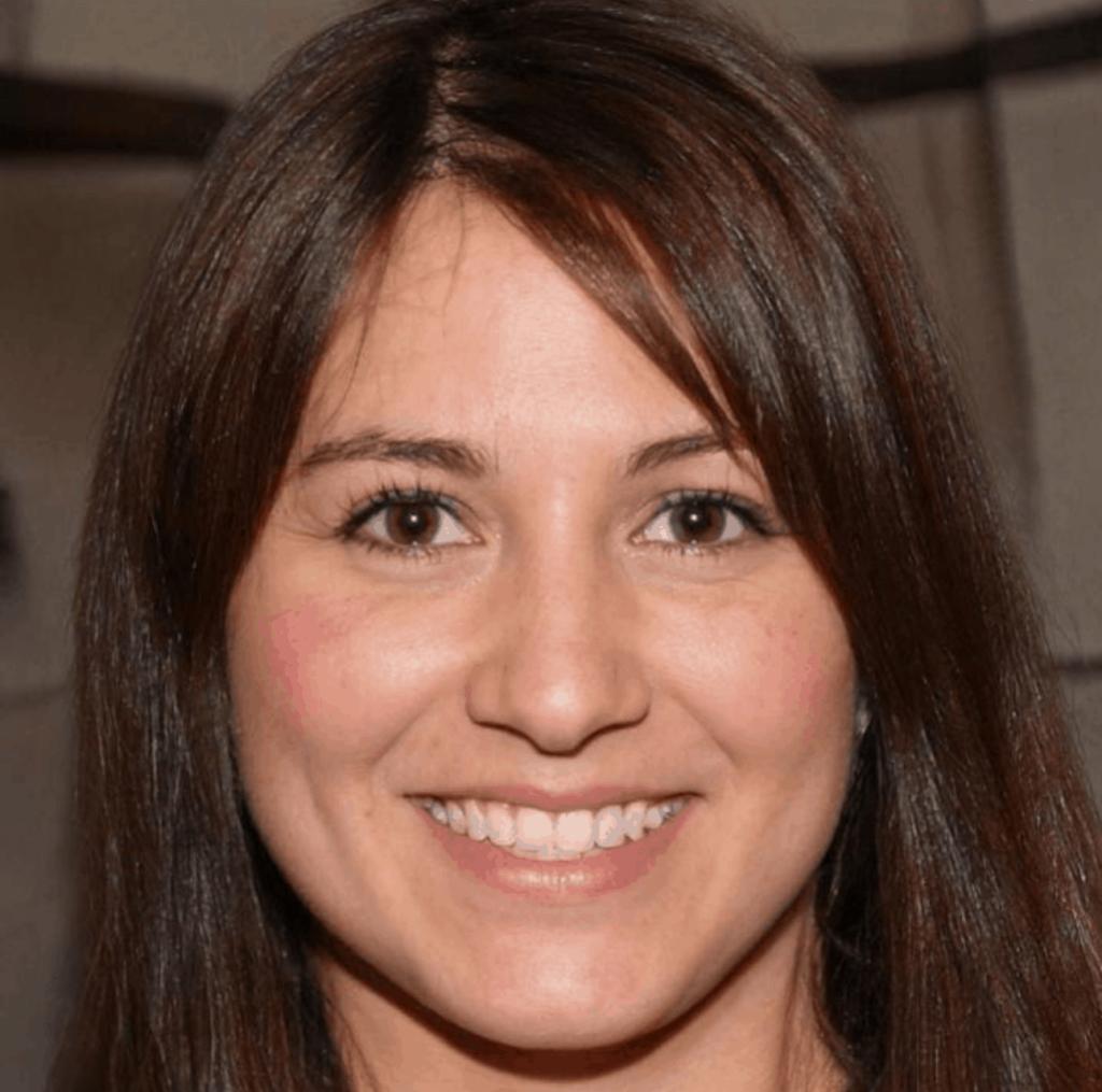 Sandra – Marketing Specialist, The Product Analyst